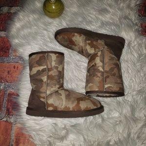 UGG Classic Short Camo Boots